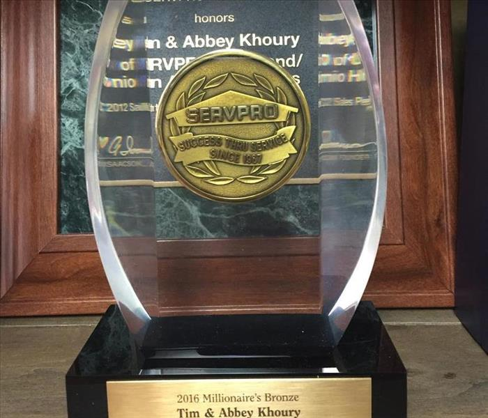 SERVPRO of Upland Receives Award for Outstanding Sales in 2015